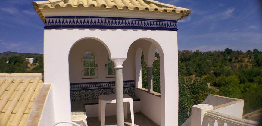 Quinta com piscina perto de Moncarapacho