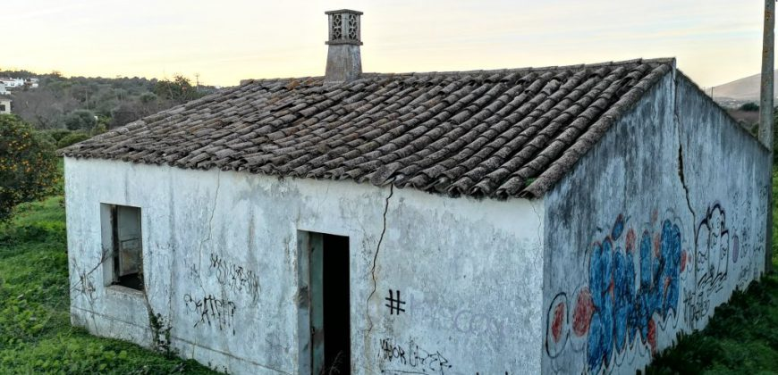 Quinta antiga para renovar perto de Moncarapacho