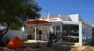 Quintinha renovada perto de Tavira
