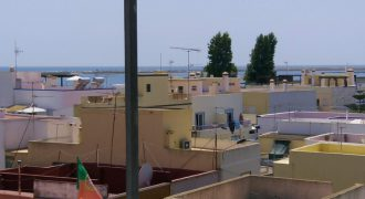 Townhouse in the center of Fuseta with sea view