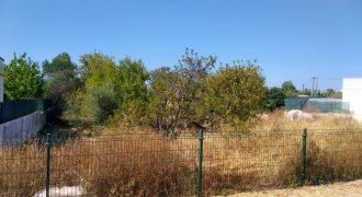 Terreno em zona de expanção na Fuseta