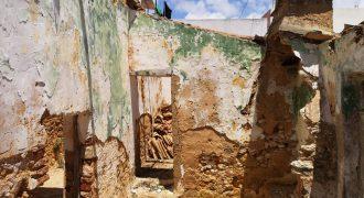 Moradia para recuperar em Olhão