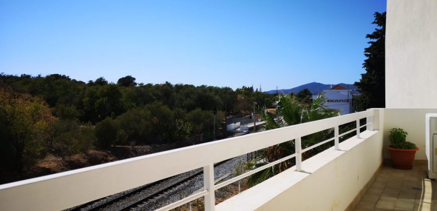 2 bedroom apartment with parking and sea view in Fuseta