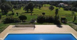 Moradia V3 em campo de golfe na Maragota com vista mar e piscina